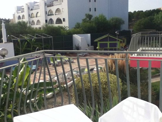 Bayside Salgados: Área de piscina infantil, pequeno bar e ping pong