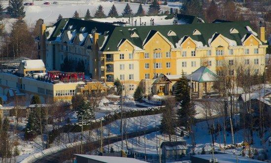 Hotel Chateau-Bromont: Vue du Château l'hiver