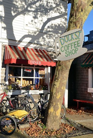 Dock Street Coffee Shop: Early morning in Autumn