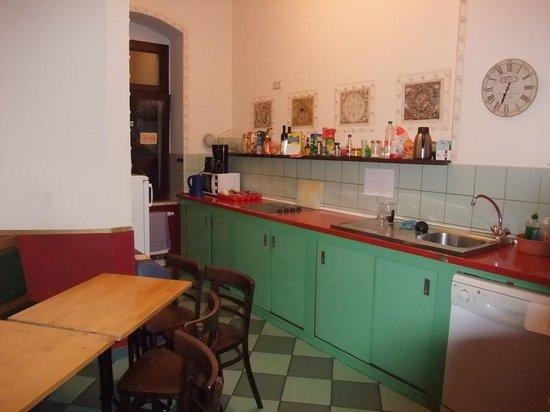 Hostel Mondpalast: Küche OG1