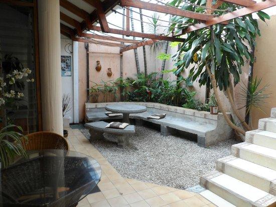 Gaudy's Backpacker Hostel: Relax corner