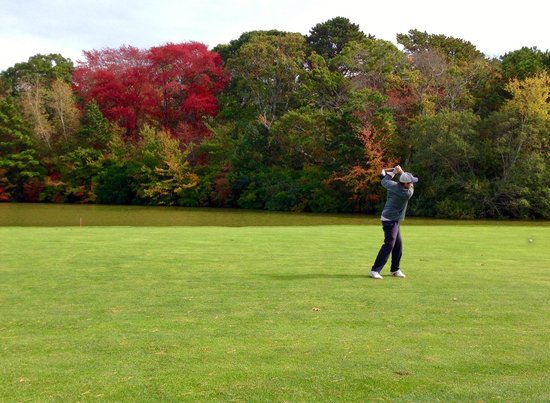 Farm Neck Golf Club: Fall weather on #12