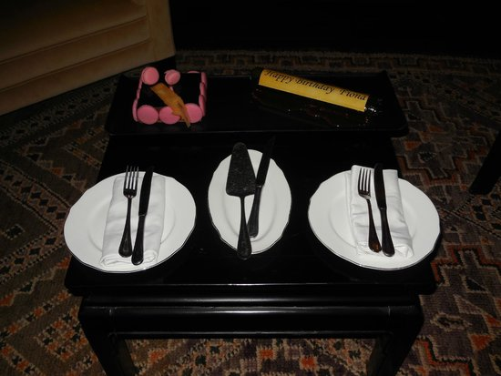 Sahara Palace Marrakech : A lovely touch - a personalised birthday cake.