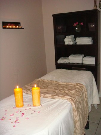 couples massage brothels in collingwood