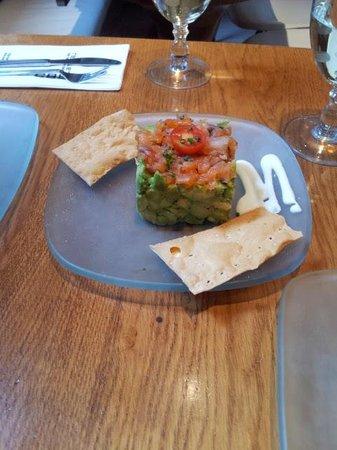 Restaurante Lateral Fuencarral: Avocado tartar with salmon