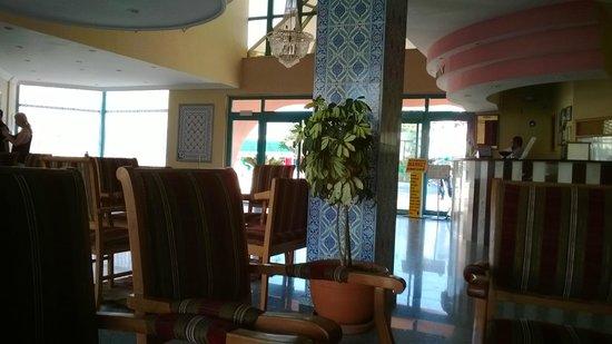 Park Side Hotel, reception