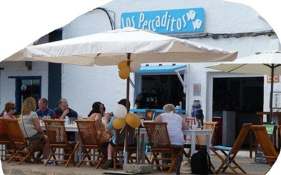 Los Pescaditos: Relaxing after breakfast