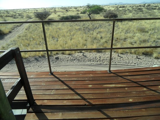 Camp Gecko Tented Camp: zitje boven
