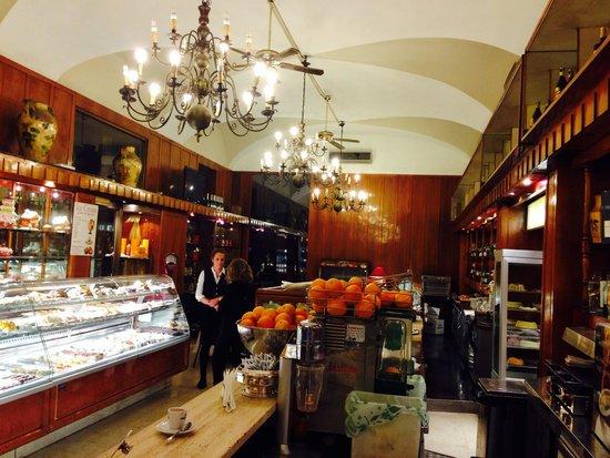 Caffe e Pasticceria U. Giuliani: Gran caffe giuliani roma