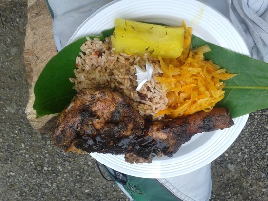 Puerto Viejo Beach: Rice &  beans con pollo