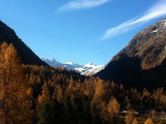 Hotel Saratz: Sicht vom Zimmer 51 ins Val Roseg