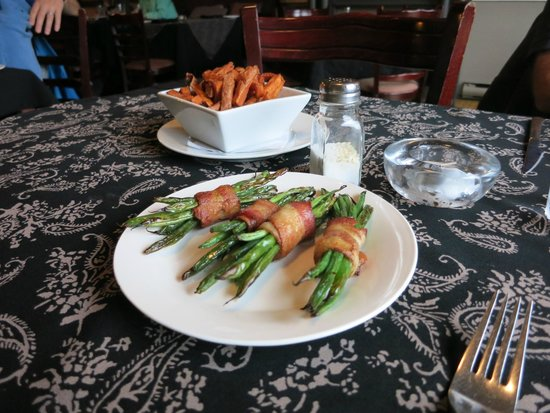 Get Stuffed : Asparagus wrapped in bacon
