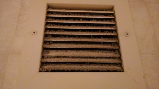 MotorCity Casino Hotel: dirty bathroom vent