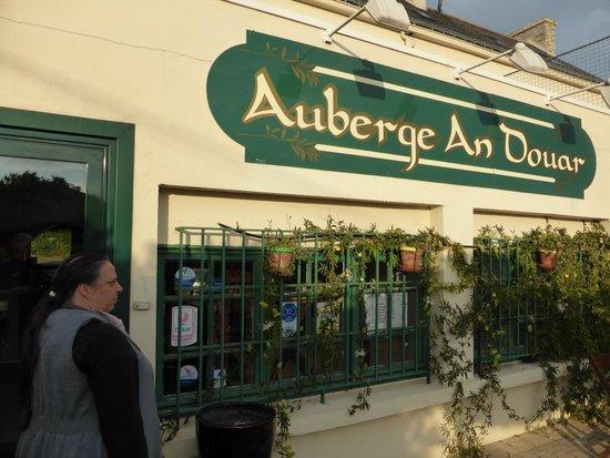 Auberge An Douar - La Croix Mourillon - Queven 56530 tel 02 97 05 14 27 ch d'hôtes / Auberge / R