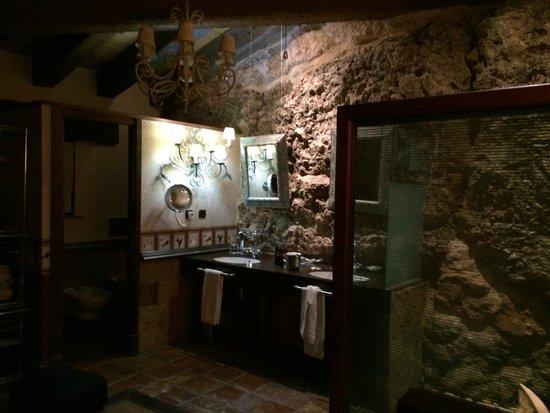 Castillo de Somaen: Baño de la suite