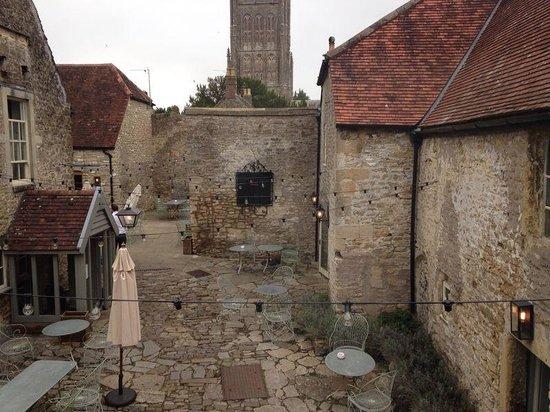 The Talbot Inn: The beautiful courtyard
