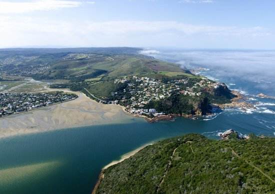 Knysna Heads: A view of the Heads - and the viewpoint.