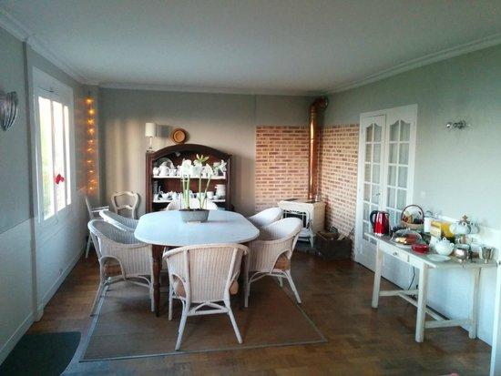 La Cerisaie: Dining area