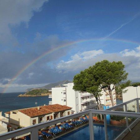 Universal Aparthotel Don Camilo: Rainbow from the terrace