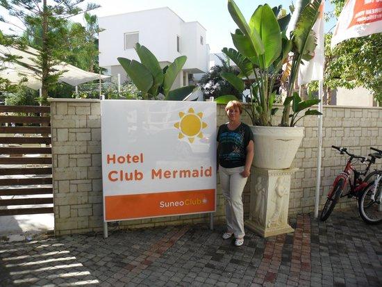 Club Mermaid Village: Название отеля