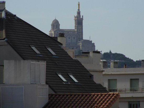 Ibis Budget Marseille Timone : vue sur Notre Dame de la Garde