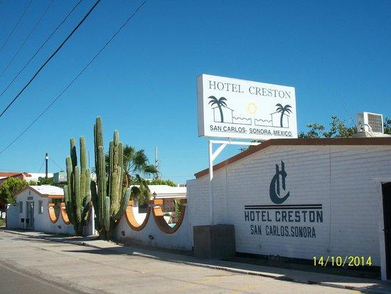 Hotel Creston : Desde fuera