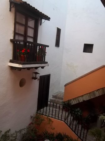 Hosteria Del Frayle: View of my balcony, Room 17, from inside courtyard