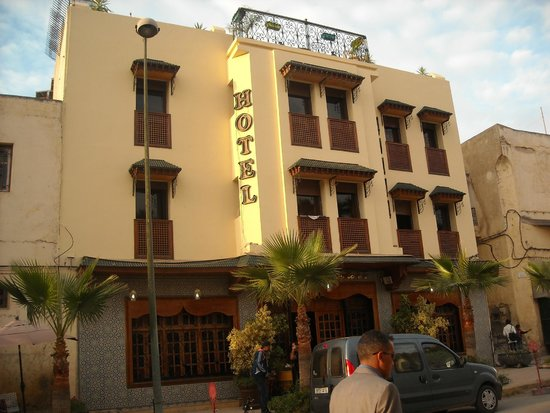 Hotel Jnane Sbile: from the street