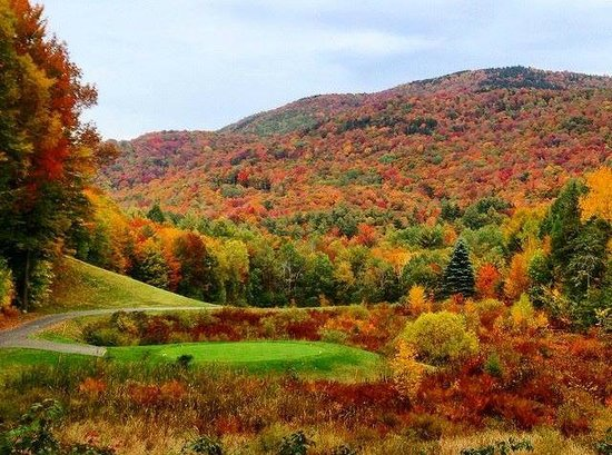 Green Mountain National Golf Course : Hole #2 exploding with color! (photo credit GMNGC Member Kelly Spear)