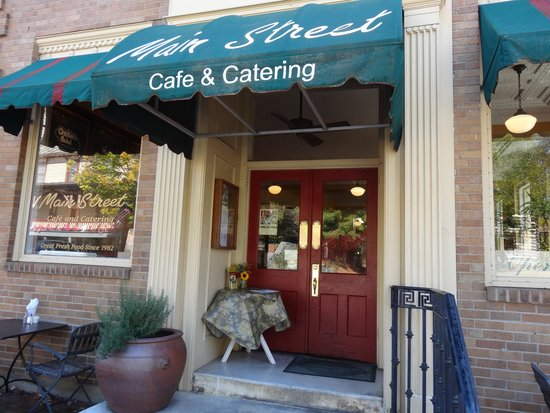 Main Street Cafe & Catering: Street entrance