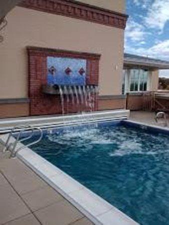 Drury Plaza Hotel in Santa Fe: Rooftop pool