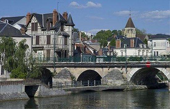 Campanile Vierzon: A good place to bridge a trip!