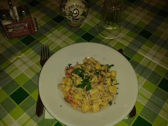 Trattoria Italia: Gnocchi di patate e semola fatti in casa alla boscaiola