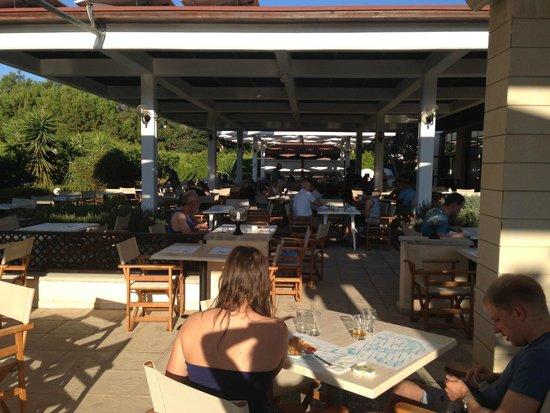 Avanti Hotel: Breakfast terrace