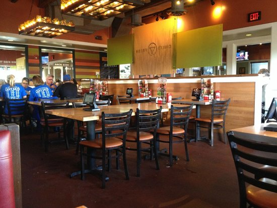Chili S Grill Bar Dining Area Inside In Shawnee
