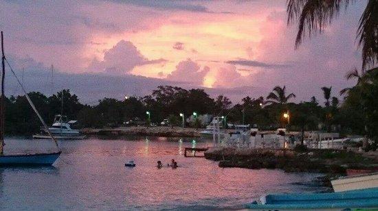 Cabanas Trip Town: Atardecer en Bayahibe.