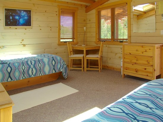 Angel Valley Sedona Retreat Center: Twin Bed Galactic Cottage