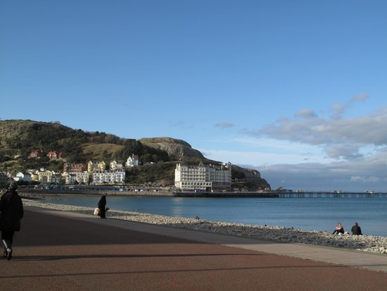 Imperial Hotel: The glorious sea front and Great Orme