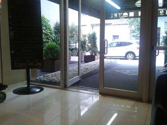 36 Hudson Hotel: Entrada del hotel.