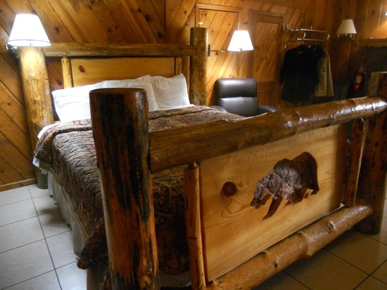 Mountain Trail Lodge: Loved the bed