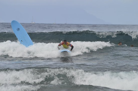Palm Beach Surf School Tenerife: learning to surf and doing ok