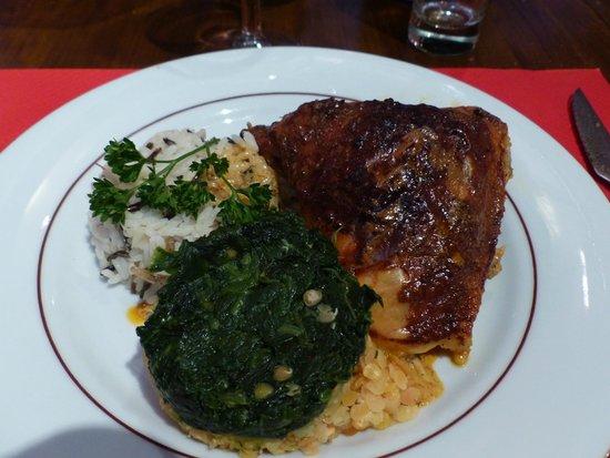 Auberge de la grange du Cros: Poulet tandoori timbale de riz sauvage lentilles corail et épinards...Humm...