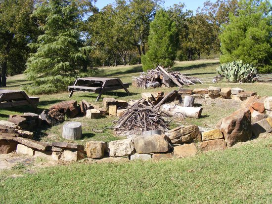 Winding Ridge Bed and Breakfast: outdoor fire pit