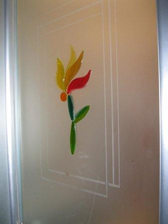 Casa del Monacone: decorazione della porta del bagno della camera dove ho soggiornato
