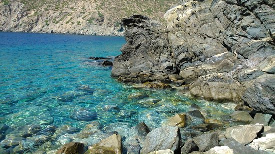 Leonidas Rooms I & II: Vroulidhia beach