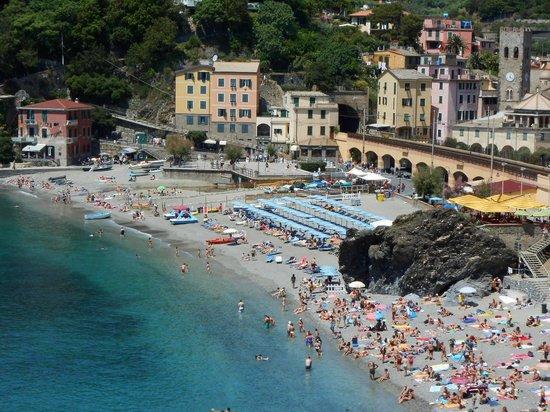Albergo al Carugio: Monterosso beach