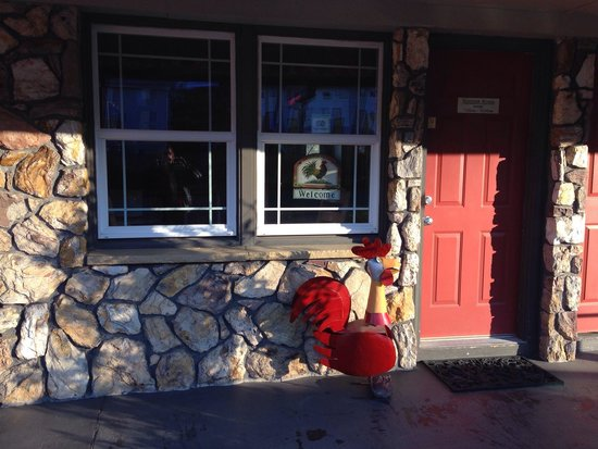 Rugged Country Lodge : Outside of the Rooster Dining Room.