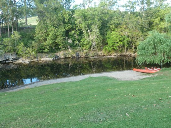 Riverwood Downs Mountain Valley Resort: The river that passes through the property