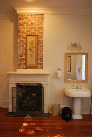 Beaufort House Inn: Bathroom room #14 McFee
