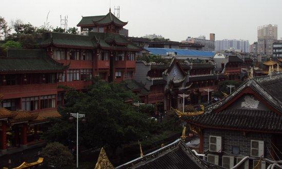 Wenjun Mansion Hotel : View from 3rd floor hallway